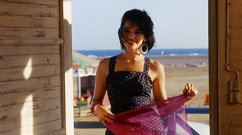 Beatrice Dalle and that something different make their entrance in Jean-Jacques Beineix's Betty Blue, 1986. Cinematography | Jean-François Robin