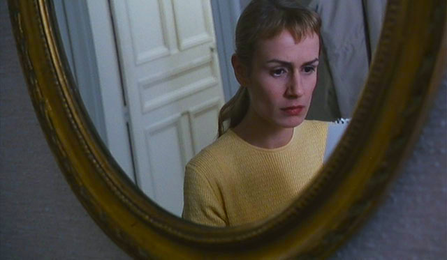 Reflection of doubt, self-loathing, frustration or a sociopathic rage? Sandrine Bonnaire La Ceremonie Claude Chabrol, 1996 Cinematography | Bernard Zitzermann