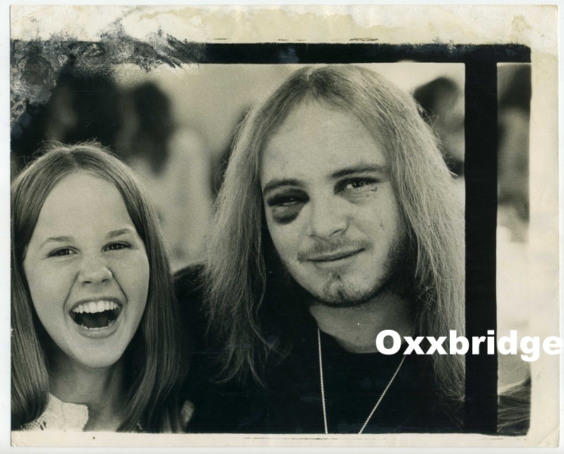 I'm not sure any of us want to understand how Linda became close to this dude and his fellow-brilliant musicians. But it was probably not a very good idea... Linda Blair and Ronnie Van Zant c. 1975 Photographer | Unknown to me