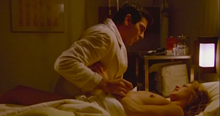 A perplexing gape of wound appears on the body beautiful. Iconic Porn Star of the day goes legit as the sexy victim of disease which causes her to aggressively spread her sickness... RABID David Cronenberg, 1977 Cinematography | René Verzier