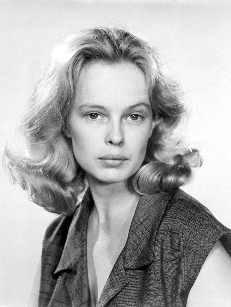 Sandy Dennis Head Shot NYC, 1964 Photographer unknown to me.