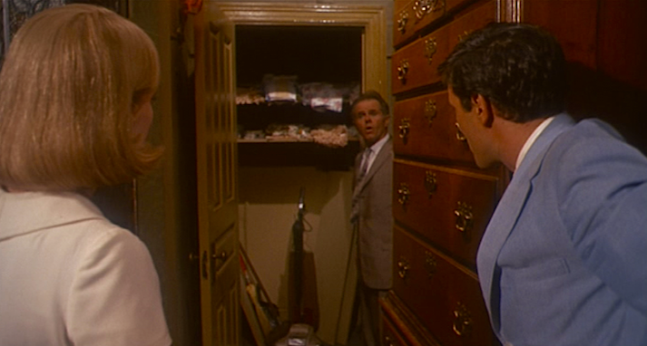 Is that a closet? Why was it blocked?  Rosemary's Baby Roman Polanski, 1968 Cinematography | William A. Fraker