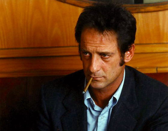Sighing and lost between the struts and flirts.. Vincent Lindon Keep It Quiet Benoît Jacquot, 1999 Cinematography | Romain Winding