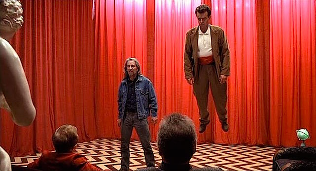 Faced with The One Armed Man and The Man From Another Place, is Dad releasing his own pain and sorrow? Or is Bob about to take care of that for him? Subconscious metaphor... Frank Silva & Ray Wise Twin Peaks: Fire Walk With Me David Lynch, 1992 Cinematography | Ronald Victor Garcia