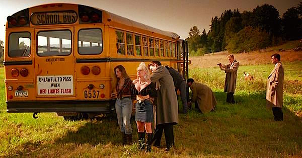 Unexplained situation: An FBI drug bust and a school bus full of terrified children... Twin Peaks: Fire Walk With Me David Lynch, 1992 Cinematography | Ronald Victor Garcia