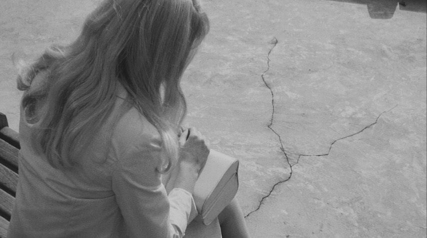 What does Carol see in the cracks? Catherine Deneuve REPULSION Roman Polanski, 1965 Cinematography | Gilbert Taylor