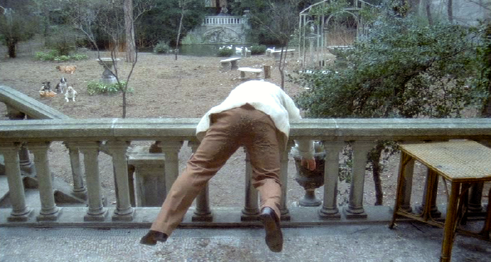 Uh, oh. A colon rupture! Um, yes. It is shown. La Grande Bouffe Marco Ferreri, 1973 Cinematography | Mario Vulpiani