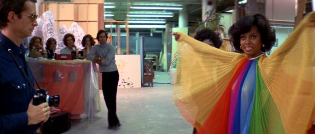 Miss. Ross designed this dress herself! Weeeee! Everybody wants one! Diana Ross Mahogany Berry Gordy, 1975 Cinematography | David Watkin