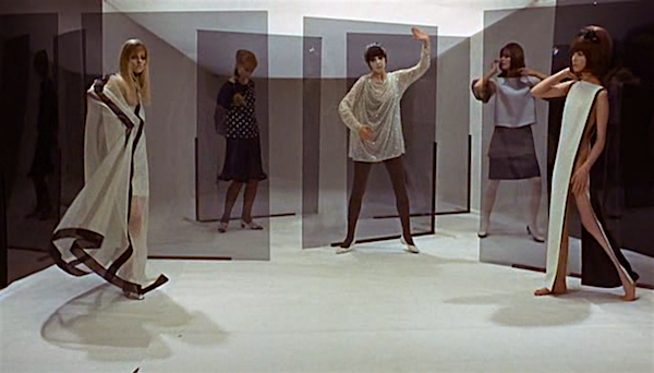 For our protagonist, models are not people. They are objects that he arranges.  Blow-Up Michelangelo Antonioni, 1966 Cinematography | Carlo Di Palma