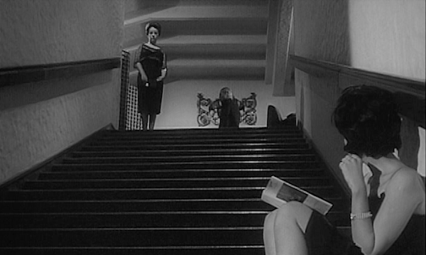 Jeanne Moreau roams the mansion while Monica Vitti basks in her boredom... La Notte Michelangelo Antonioni, 1961 Cinematography | Gianni Di Venanzo