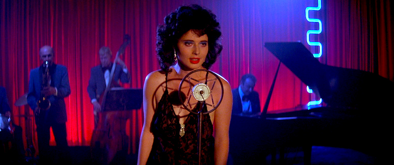 This is not your grandparents Film Noir... Isabella Rossellini Blue Velvet David Lynch, 1986 Cinematography | Frederick Elmes